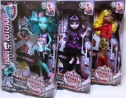 Monster High 2014 Fright Camera Action Clawdia Wolf Honey Sw